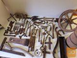 Staro ročno orodje in predmeti