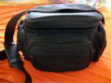 Nerabljena torba za fotoaparat in pribor