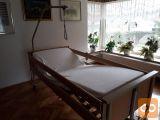 Električna negovalna bolniška postelja